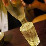 居酒屋 幸ちゃん - 豪快ショット(日本酒)180円