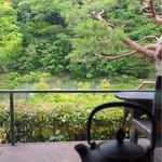 茶寮 八翠 - 嵐山の絶景が望めます