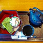 茶寮 八翠 - 一保堂茶舗の煎茶