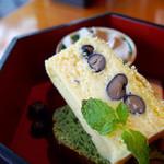 52220916 - 丹波産の黒豆入りチーズケーキ