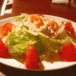 イタリアン・トマト カフェスペリオーレ コンフォートホテル中部国際空港店 - 小エビとツナのサラダ