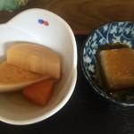 とんかつ げんき - 小鉢の煮物【料理】