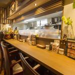 パセラ珈琲店 - コンセントがあるカウンター席