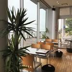 Burgers Cafe Pon Pon -