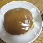 52226739 - 季節の和菓子もありますが、どら焼きは1年中販売されているそうです。                       1個160円。