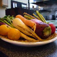 ウシマル - 自家菜園のお野菜と自然農法家棚原さんのお野菜を使。