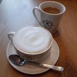 コーヒービーン&ティーリーフ - カプチーノ(350円・外税)