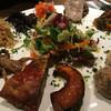 ラ マニ ビーンズ - 料理写真:ボリューム満点の前菜盛り