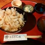 地魚料理 まるさん屋 - 相棒さんの「かきあげ丼(えびのかき揚げが2個)」