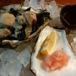 地魚料理 まるさん屋 - 岩がきコースの「岩がきの刺身」