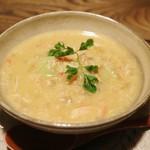 ごはんや 要兵衛 - 椀 空豆のニョッキ 玉葱とカニのスープ