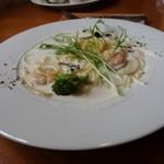 ガーデンカフェサンフルーリ - パスタ(エビと水菜のクリームソース)@ランチ