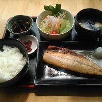Lunch cafe & ちょい呑み まみ夢 - 日替定食(鯖)