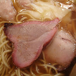 たんたん亭 - 昔ながらのフチの赤い焼き豚