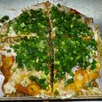 三匠 - 肉玉そば + ネギチーズ