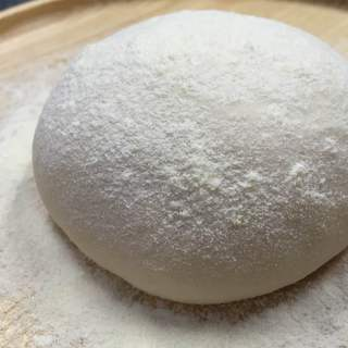 【ピッツァ】イタリアの小麦粉で作った自家製生地を使用♪