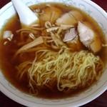 三宝楼 - 麺は普通。チャーシュー、スープは美味しくなかった(T_T)