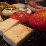 52257524 - 豆腐ステーキと野菜焼き。