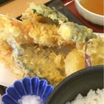 塩釜あがらいん - 天ぷら定食の天ぷら