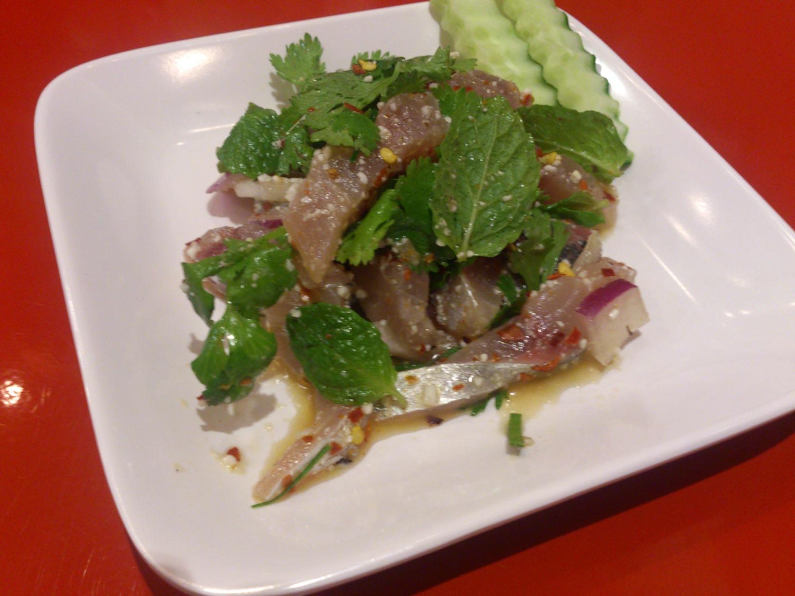 タイ料理 ルークタオ
