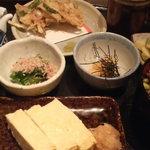 52262068 - 炊き込みご飯と小鉢