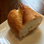 伊太利亜厨房 KUU - プレートランチのパン