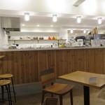 ウィークエンダーズコーヒー オール ライト - かもめブックスの中にあるコーヒー屋さん3