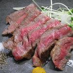 毎水 - A5ランクの国産黒毛和牛のステーキ! 贅沢な一品。
