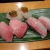 すし辰 - 料理写真:生本マグロ、ブリ、ヒラメ