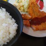 大石屋食堂 - 料理写真:とんかつ定食