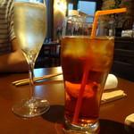 鉄板食堂はち - スパークリングワイン、アイスワインティー