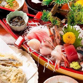 浜名湖の食材が詰まった定食メニュー