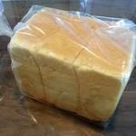ベーカリートド - スーパーキング角さん食パン 480円