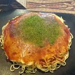 お好み焼き バリ エー - 料理写真:そば・肉・玉子+イカ天