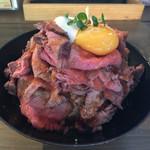 チャラリン - 料理写真:ローストビーフ丼 肉大盛