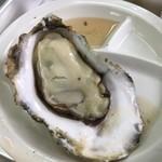 美味星 - 貝柱もしっかりある大粒の牡蠣です。2月が産卵前で1番大粒なのだそうです