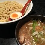 麺処 蓮海 - まぐろ豚骨醤油つけめん(770円)