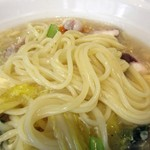 天津飯店 - 麺は面白い食感、プニィ