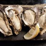 甲殻類倶楽部 - 生牡蠣(ポン酢&レモン汁で♪)