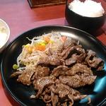 加真呂 - 牛中落ち定食の240gです。