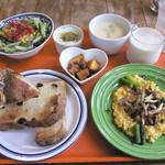 カフェ&イン 吉里吉里 - 朝食