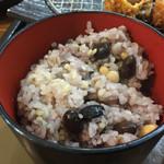 52328872 - 2016.6. ご飯は白米か五穀米か