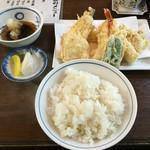 52329118 - 天ぷら定食1,000円