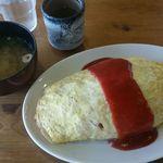 曽我 - オムライス580円と味噌汁100円 計680円
