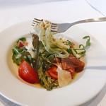 マーマレードカフェ - 夏限定。生ハムとフレッシュトマトの冷製パスタ  バジル風味