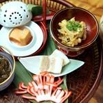 琉球前菜五品盛り