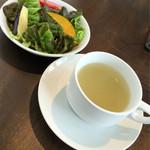 Mirairesutoranandokafe - ランチセットのスープとサラダ