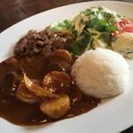 52337703 - 段戸高原牛カルビと産直野菜カレーライス+サラダ 900円 (税込)