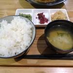 Erukanthina - 「自家製ハンバーグ〜カレーソース〜」のご飯セット