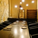 地下ワインカーヴ マナヴィーノ - 10名様までの個室空間あり